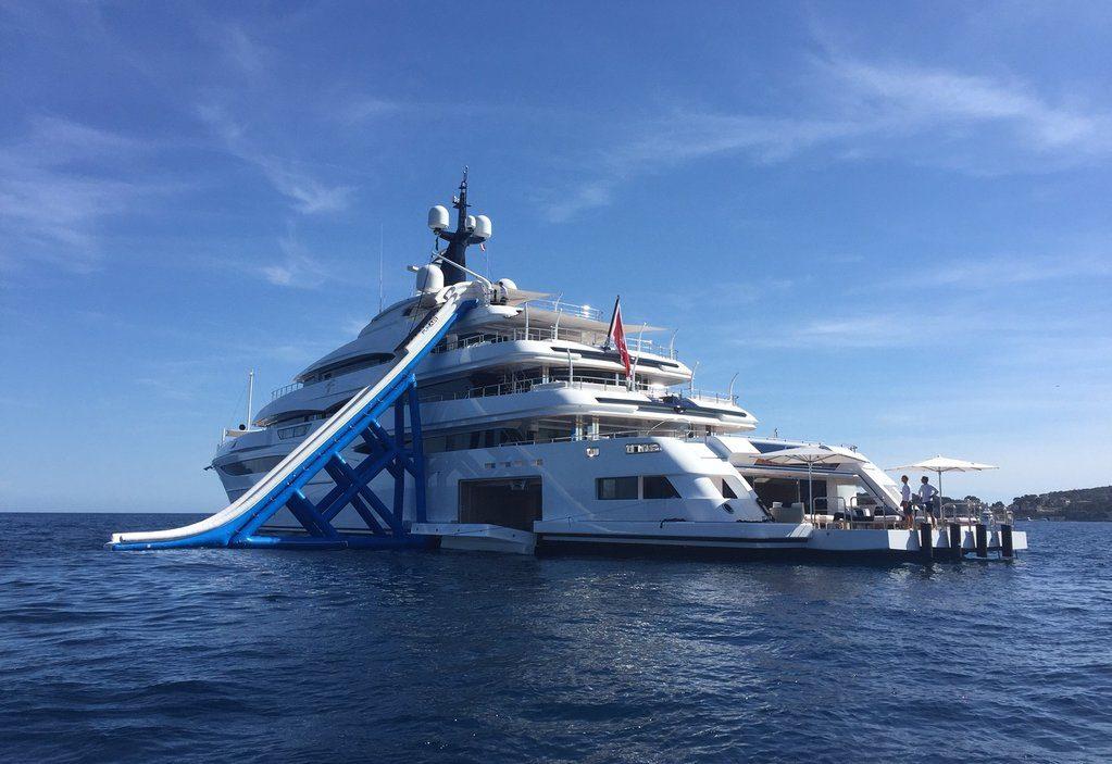 Motor Yacht Cloud Nine FunAir Slide