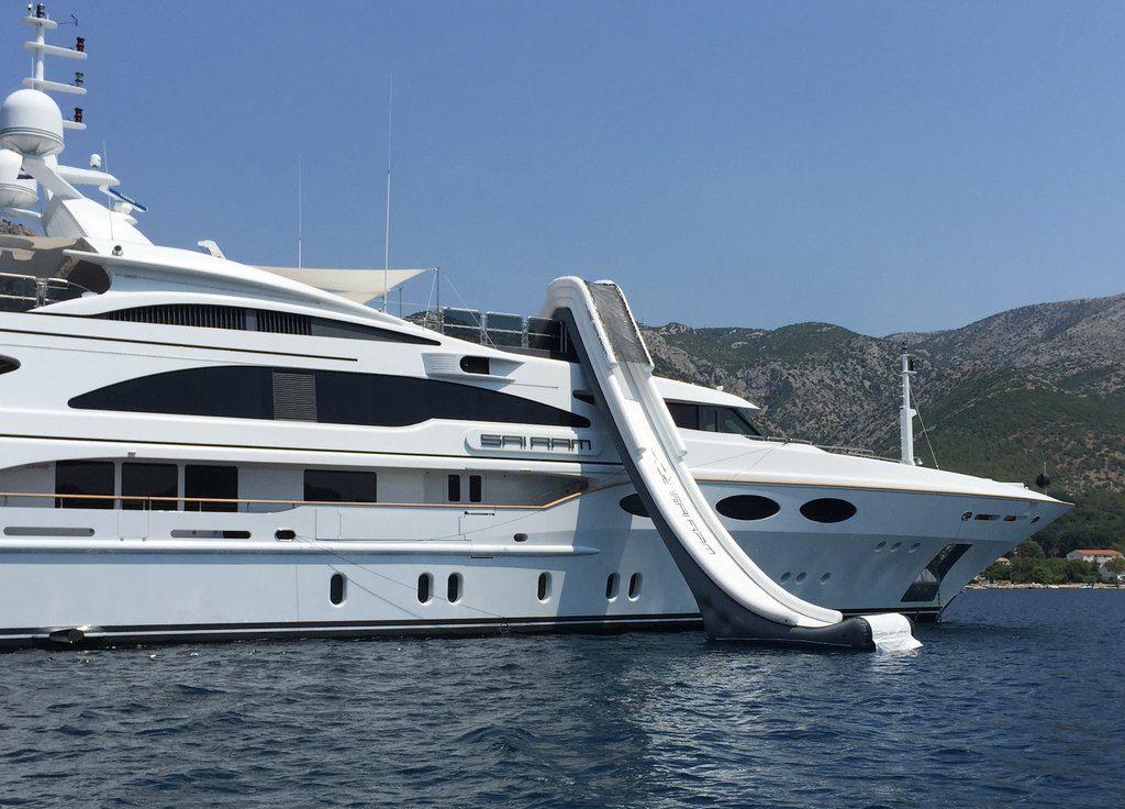 Motor Yacht Sam Ram FunAir Hanger Slide