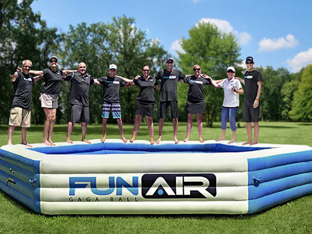 Outdoor inflatable team work ball pit