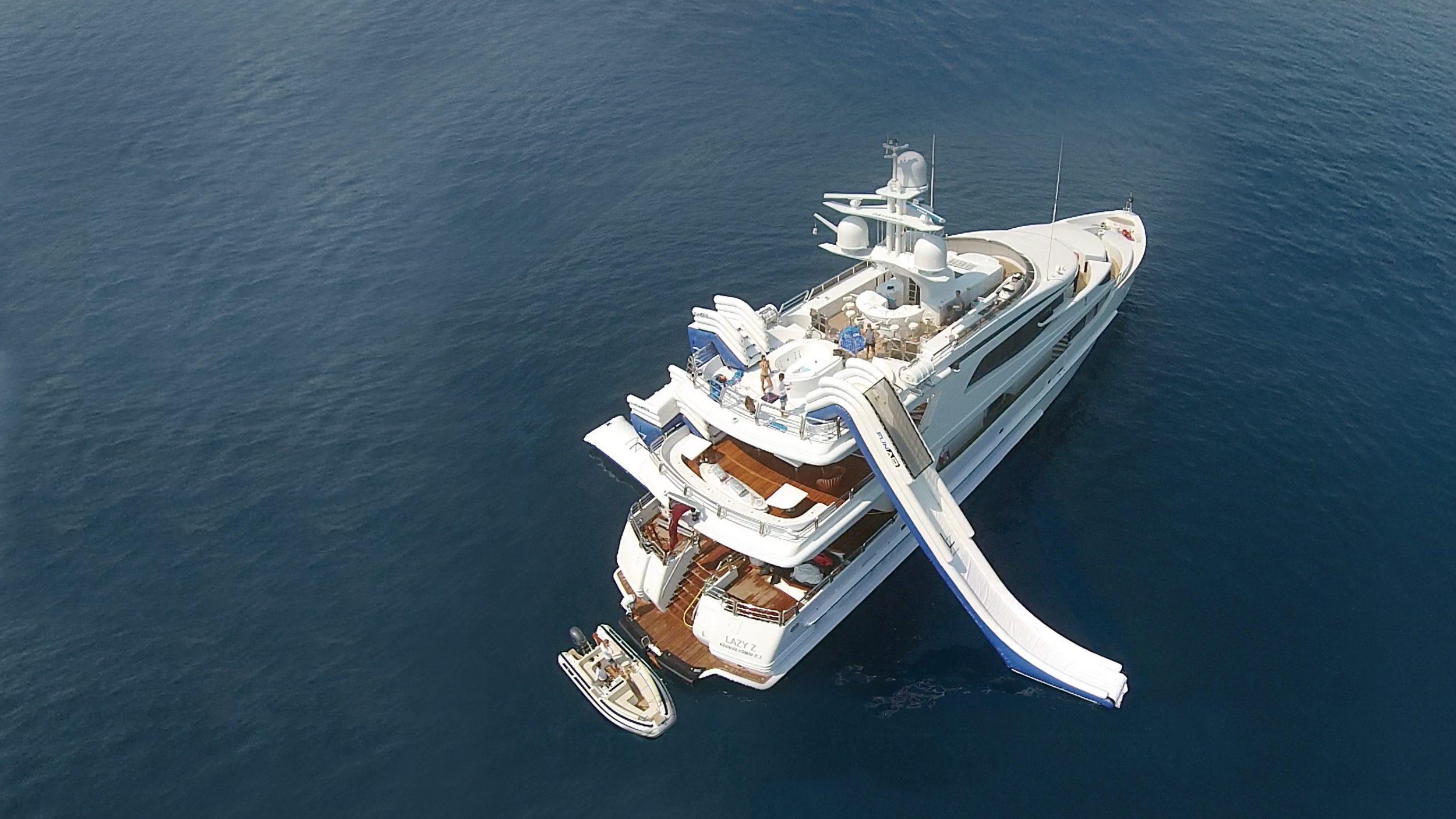 Yacht jump platform
