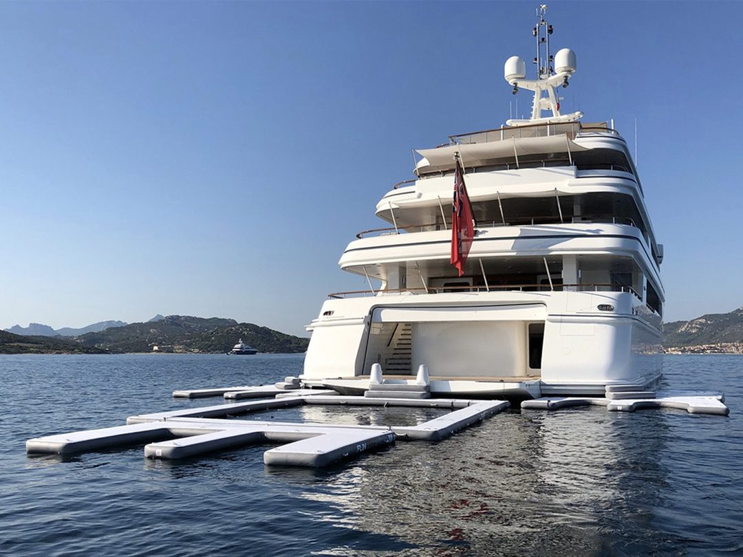 Inflatable Super Dock in use with Superyacht