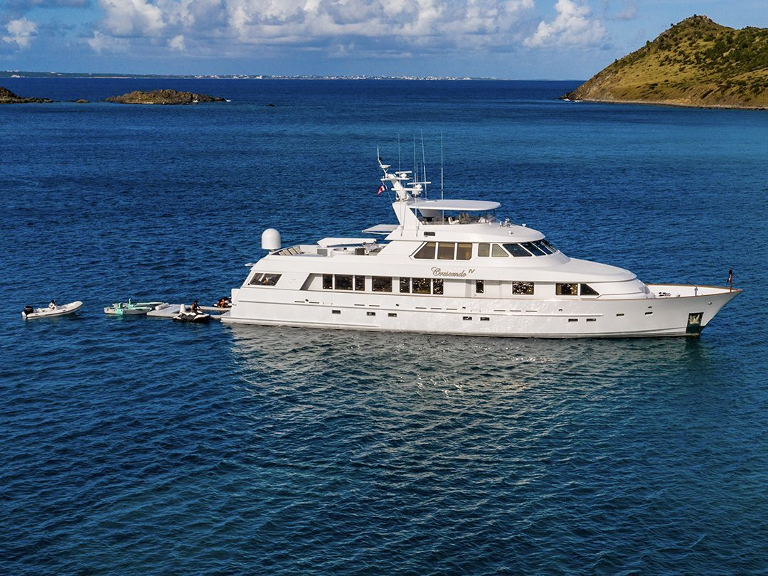 Superyacht Crescendo IV with FunSize Beach Club Sea Pool and Superyacht Wave Chairs